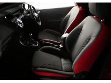 Ford Fiesta Red og Black Edition også med matcende interiør i rødt og svart.