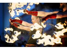 Magisk eldshow i världsklass med Eldfågel klockan 16 och 17.