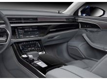 Audi A8 L - interiør