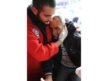 Evakuering av Yarmouk - medtagen äldre man