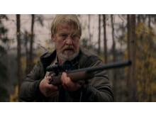 Politimanden Erik (Rolf Lassgård) kommer på en barsk opgave i C Mores nye serie Jægerne