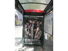 Blåsarsymfonikerna spelar för bussresenärer