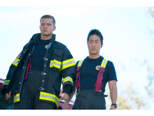 Oliver Stark och Kenneth Choi  i 9-1-1 säsongspremiär på FOX den 2/10 kl 22.00