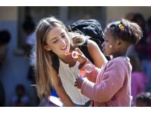Det sa klick mellan Julia Haage von Sivers & nioåriga Clara på Madagaskar.