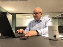 – Har du med PC så stiller vi med alt annet du trenger for å skape verdier, sier daglig leder Hakon Lærum i Kontorhuset.