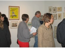 Många besökare på sommarutställningen på Astrid Lindgrens Näs.