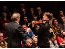 Joshua Bell spelar Brahms