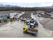 Scania Baufahrzeuge in einem Kieswerk in Muggensturm