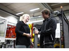 Proton Engineering satsar på teamkänslan och delaktigheten hos personalen. En delaktighet som skapar engagemang.