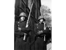 Gardere ved Amalienborg Slot op ad dagen den 9. april 1940