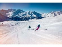 Pisten in Verbie rmit Blick auf Massif des Combins im Wallis