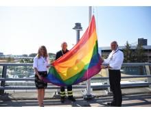 Prideflaggan hissades idag på Stockholm Arlanda Airport