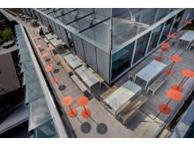 Areal möbelgrupp och Sun bord, Biomedicums terrass.