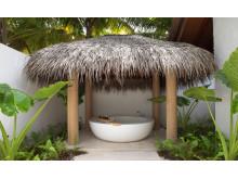 Fairmont Maldives Sirru Fen Fushi – Beach Villa Deluxe Bathroom