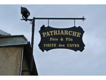 Patriarche Père & Fils - besökscenter med makalösa vinkällare under staden Beaune.