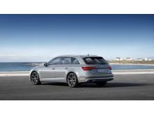Audi A4 Avant (kvantumgrå) statisk bagfra