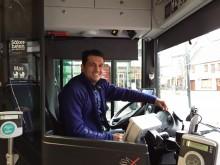Ali Mayani körde bussen