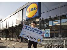 Lasse fra København N med gavekortet på 100.000 kr. fra Lidl