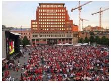Viasat viste finalen på storskjermen på Youngstorget i Oslo