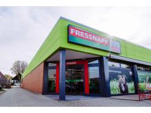Frontansicht des neuen Fressnapf-Marktes in Erkelenz