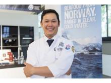 """Gewinner Mongkol Patprom über seinen Sieg: """"Ich habe mich zusammen mit meinem Sushi-Meister zwei Wochen lang intensiv auf den Wettbewerb vorbereitet und bin überglücklich, diese große Auszeichnung gewonnen zu haben."""""""