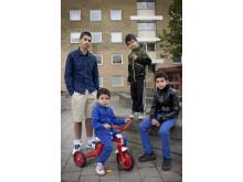 Muri Romani Familja. Foto på Dusan och hans bröder.