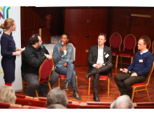 """Världscancerdagen 2011: Panelsamtal: """"Sociala media – patientens röst"""""""