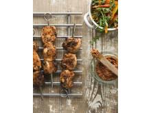 Matkomforts kycklingspett med tomatpesto