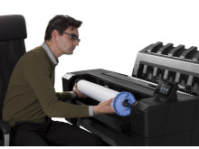HP Designjet T920 usability front loading roll seating