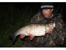 Jerker Löf med sitt svenska sportfiskerekord på färna,  3 580 gram.