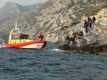 Sjöräddningssällskapet undsätter strandsatta flyktingar