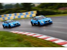 Polestar Cyan Racing-bilarna in action