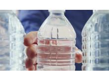 Plastikflasker forvandles til bilmåtter