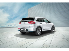 kia_niro_phev_my18_3_4_rear_view_(with_16_rims)_11442_63715