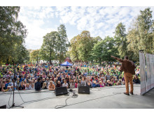 Geirr Lystrup opptrer på Barneaksjonens jubileumskonsert