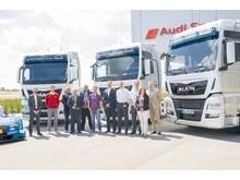 Audi Sport har modtaget 8 nye MAN TGX trækkere. Repræsentanter fra pressen, Audi Sport og MAN var til stede ved leveringen.