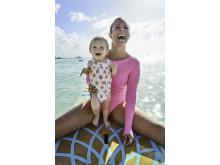 Rachel Brathen med dottern Lea Luna på Aruba