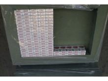 Cigarettes hidden in pallets of floor underlay