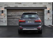 Ensimmäinen BMW X7_perä