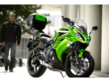 Kawasaki 2012 års ER-6f Actionbild