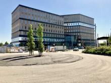Den terminalnära byggnaden SkyCity Office One erbjuder flexibla mötesplatser i direkt anslutning till Stockholm Arlanda Airport. Foto Hans Uhrus, Swedavia.