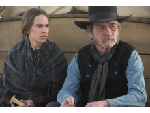 Hilary Swank och Tommy Lee Jones i The Homesman