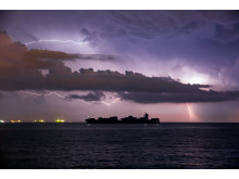 Blog article-Cargo ships and ports in extreme weather