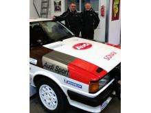 Toni Hansen og Per Brodersen foran deres Audi 80