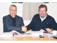 Kontraktet signeras