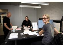 På kontoret, fr.v: Roger Blom, Anders Angergård och Anna-Carin Carlsson