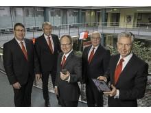 v.l.n.r.: Vorstandsmitglieder: Carsten Proebster, Heinz Mölder, Michael Schmuck (Vorstandsvorsitzender), Dietmar Mittelstädt und Dr. Volker Gärtner
