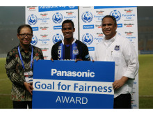 Panasonic's Goal for Fairness Awarded to GAMBA Osaka Player at Panasonic Cup 2015