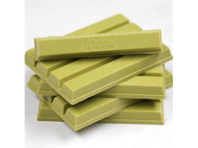 KITKAT_Green_Tea_Matcha_Stack_1x1_edit (001)