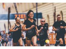Für Teilnehmer des Halbmarathons geht es am Sonntagfrüh schon um 8:00 Uhr auf die Strecke.